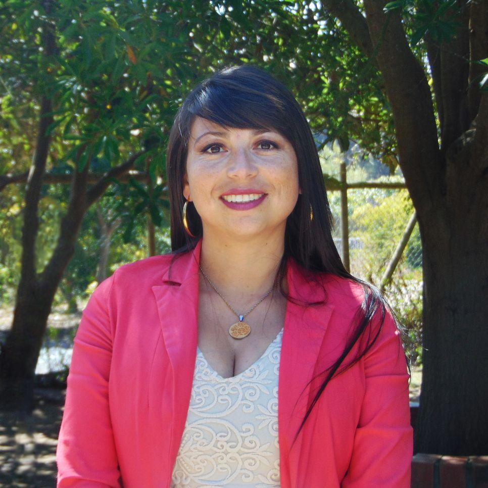 Claudia Alejandra Urra Farías